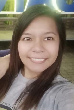 Filipina, die amerikanisch ist