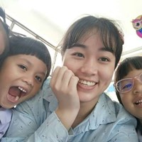 Thai au pair searching for a family